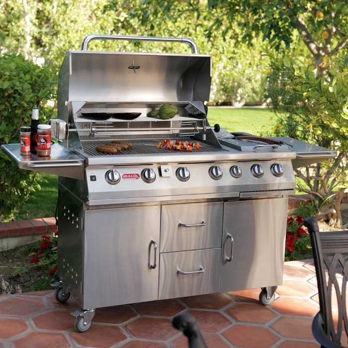 GRILLS AND FIREPLACES